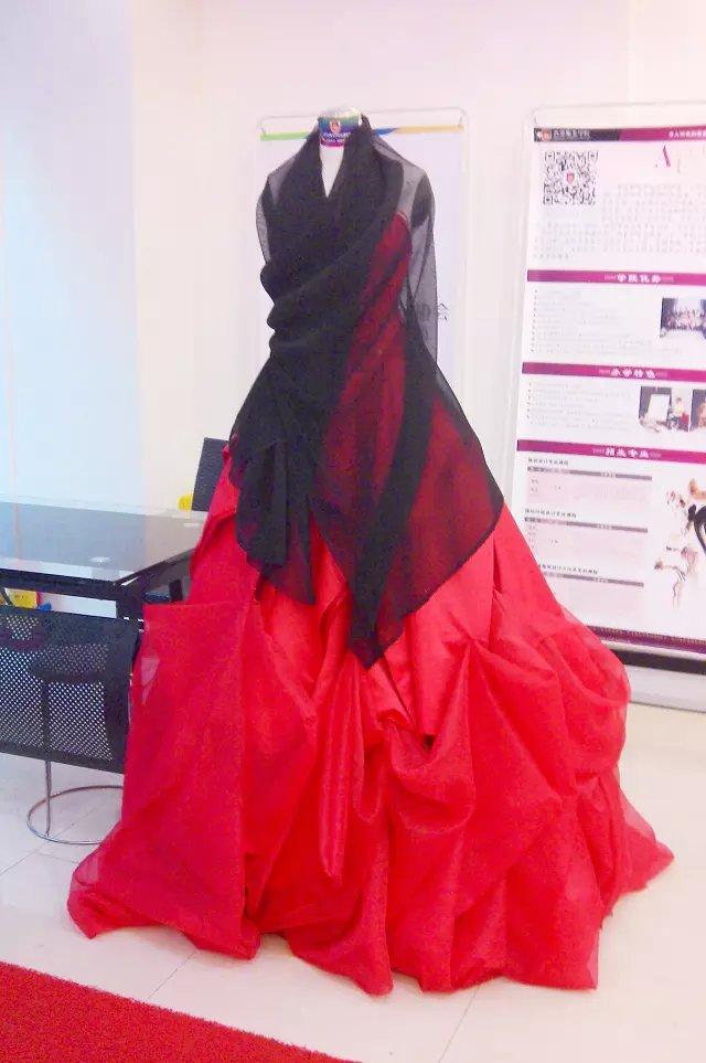 广东时尚学院成衣作品:服装设计成品静态展