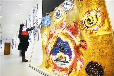 广东时尚学院新闻讯:首届全国大学生纺织非遗大赛举行